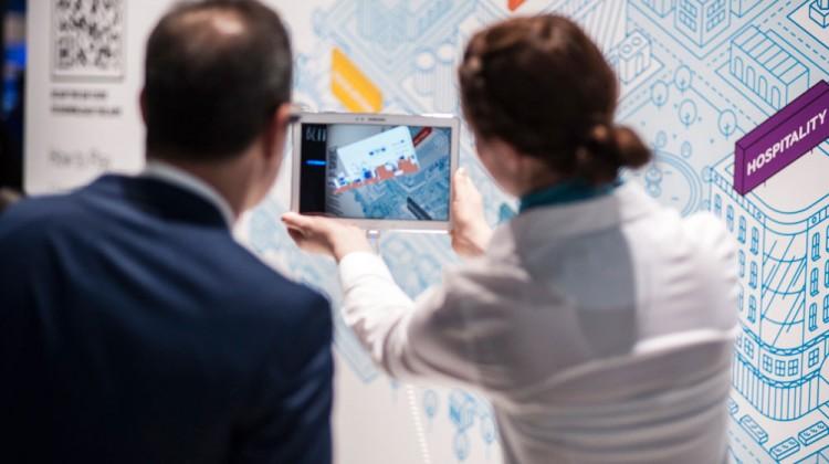 Besucher konnten sich über umfassende Unternehmenslösungen und zukunftsweisende Technologien informieren.